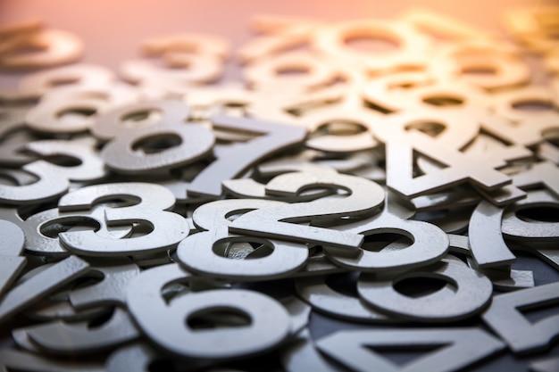 固体の数字で作られた数学の抽象的な背景