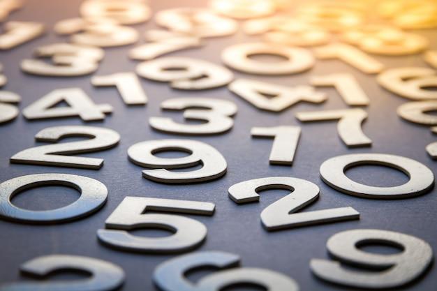 確かな数で作られた数学