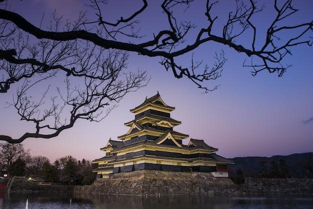 松本城の夕方