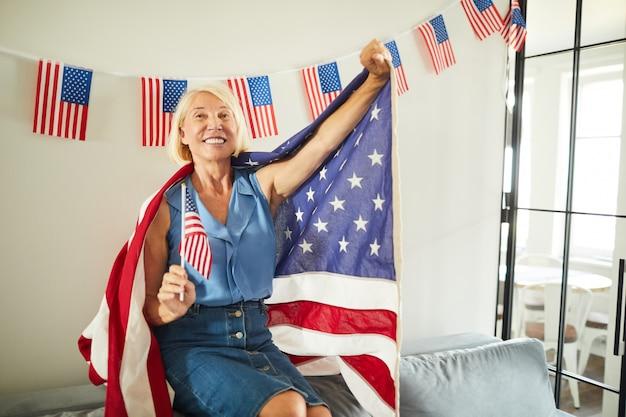 成熟したアメリカ人女性