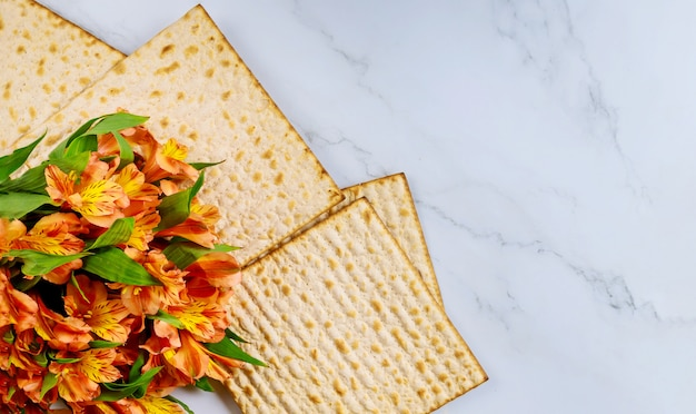 Праздник мацы пасхи с пресным хлебом мацы