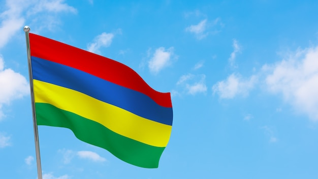 Флаг маврикия на шесте. голубое небо. государственный флаг маврикия
