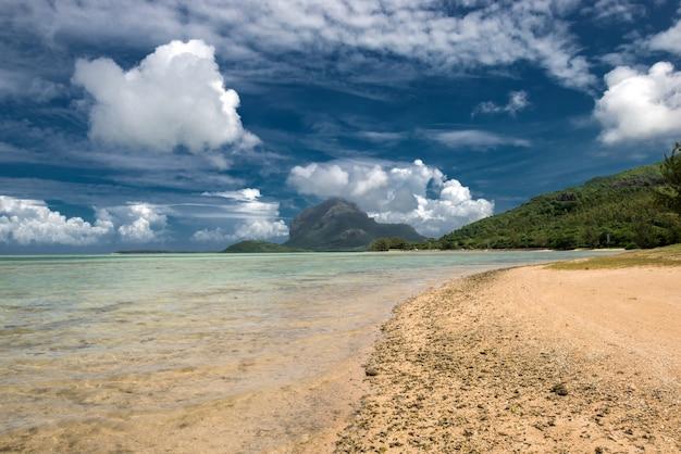 Маврикий ле морн пейзаж