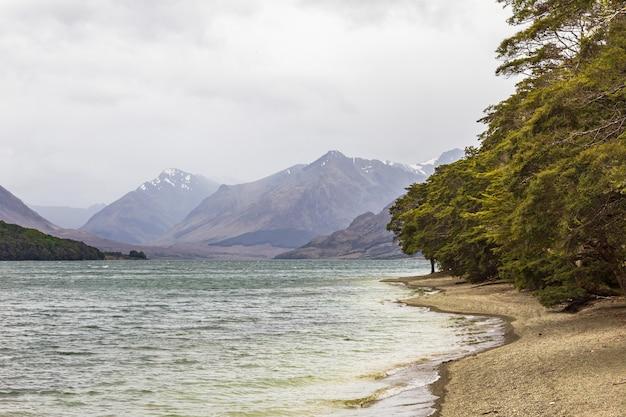 Берега озера мавора