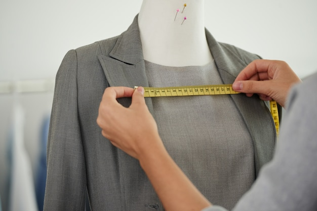 Measuring suit