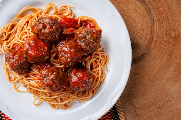 Meatballs with tomato sauce and pasta