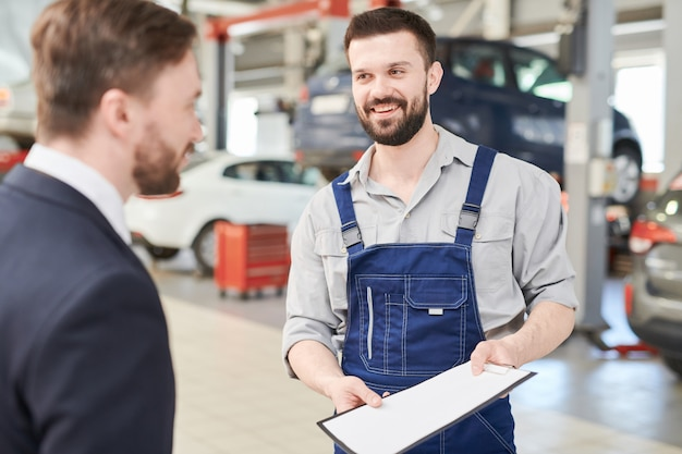 Mechanic offering contract to client