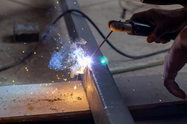 Mechanic welding iron