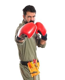 ボクシンググローブとメカニック