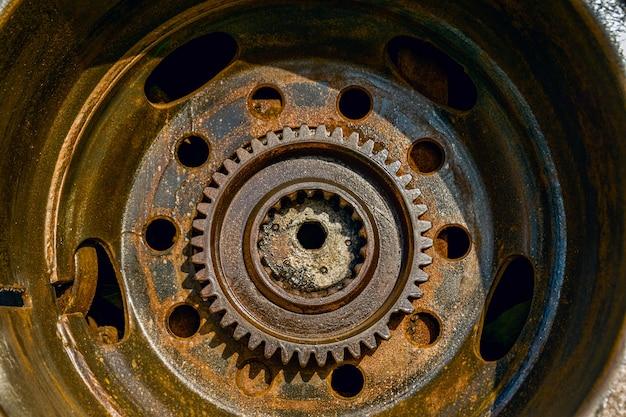 Mechanical iron wheel