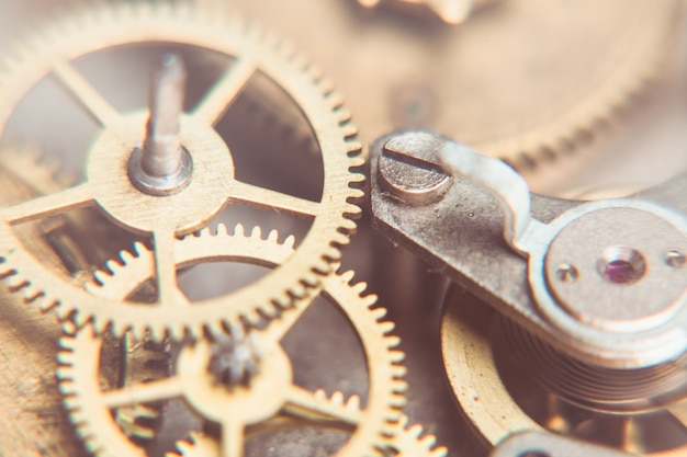 기계식 시계 메커니즘은 매우 가깝고 디자인을 위한 흐릿한 배경