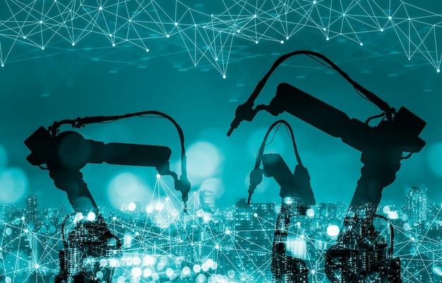 Роботы-манипуляторы механизированной промышленности на заводе будущего