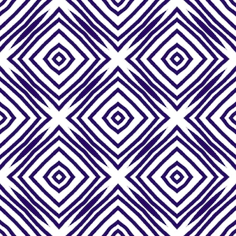 メダリオンシームレスパターン。紫の対称的な万華鏡の背景。テキスタイル対応の高級感のあるプリント、水着生地、壁紙、ラッピング。水彩メダリオンシームレスタイル。