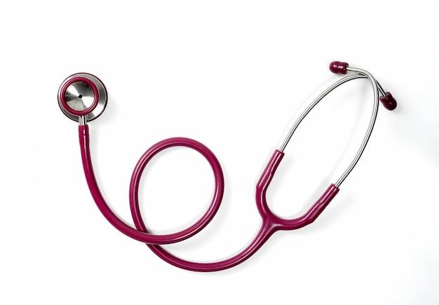 Стетоскоп врачей концепции здравоохранения и здравоохранения, изолированные на белом фоне