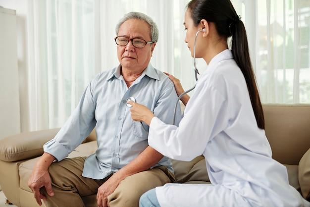 病院での健康診断