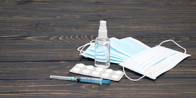 医療用マスク。コロナウイルス管テストによる保護マスク。ヘルスケアと医療の概念。コロナウイルスまたはcovid-19保護の概念。