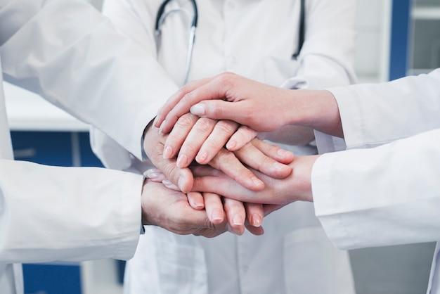 의사의 사무실에서 의료 팀
