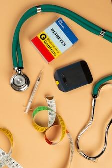 病気の名前の付いた薬箱糖尿病とブドウ糖計