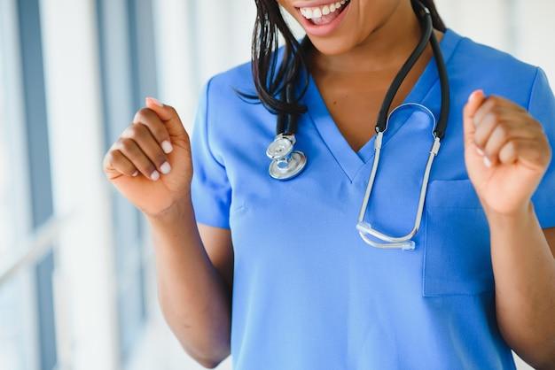 医師がクローズアップ。ヘルスケアと医療の概念。