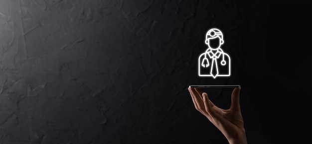 현대 가상 화면 인터페이스, 의료 기술 네트워크 개념과 아이콘 의료 네트워크 연결을 만지고 손에 의학 의사 아이콘. dak 배경