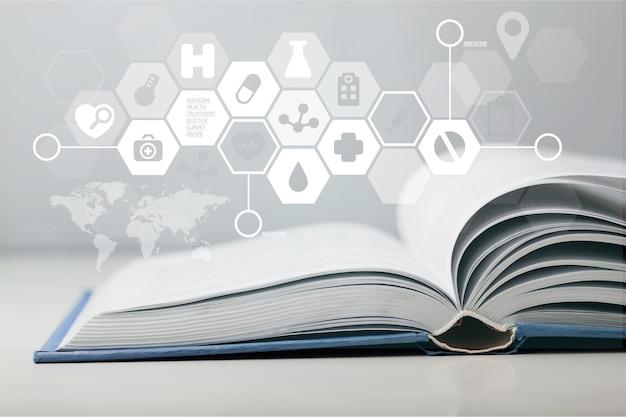 펼친 책에 의학 그림