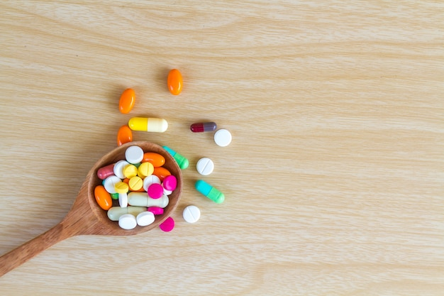 Лекарственные таблетки и капсулы