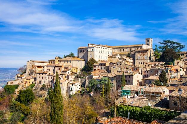 中世イタリアシリーズ、ウンブリア州トーディの町