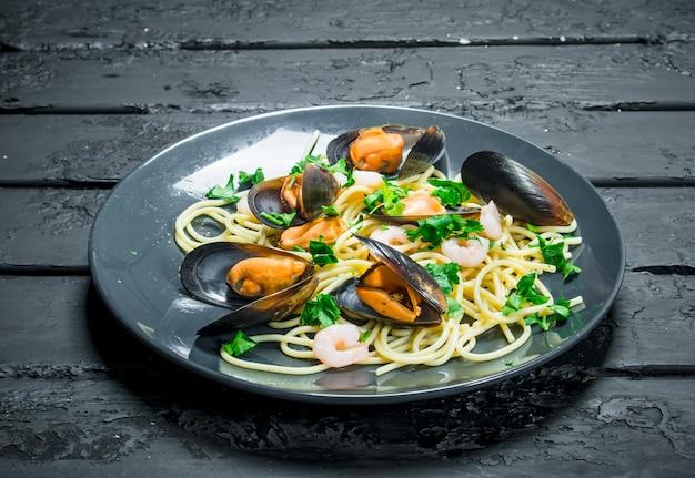 Mediterranean food. seafood spaghetti with clams.