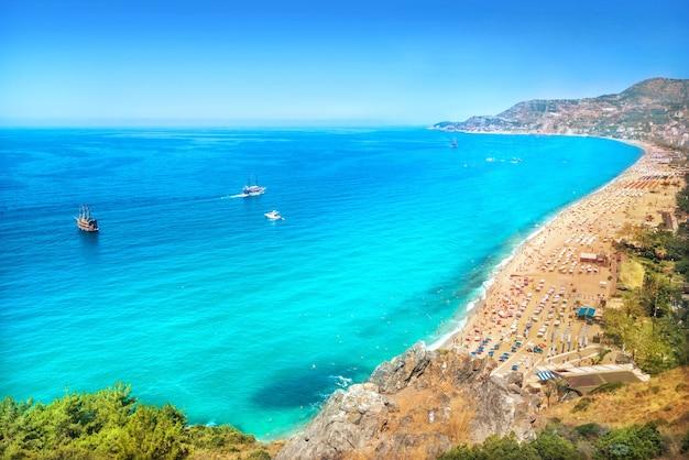 トルコのアラニヤの地中海クレオパトラビーチ