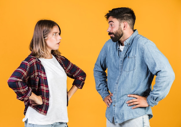 Medium shot couple arguing