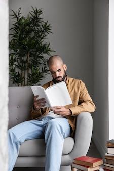 Medium shot man reading