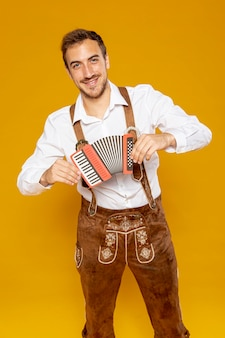 Medium shot of man with bandoneon