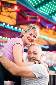 Medium shot smiley people posing