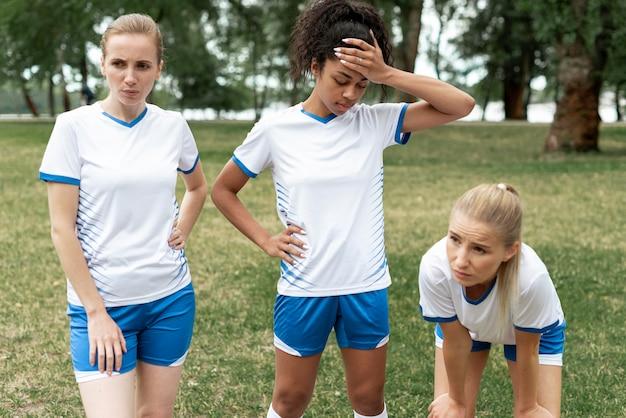 Medium shot sporty girls outdoors