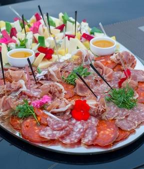 うつわ屋チーズと野菜の料理