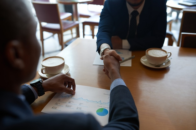 Meeting partners
