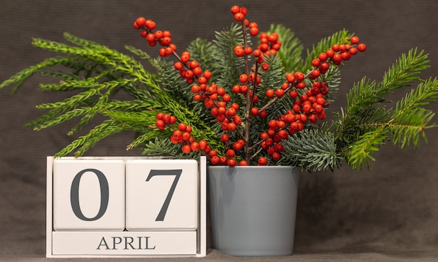 思い出と重要な日付4月7日、卓上カレンダー-春のシーズン。
