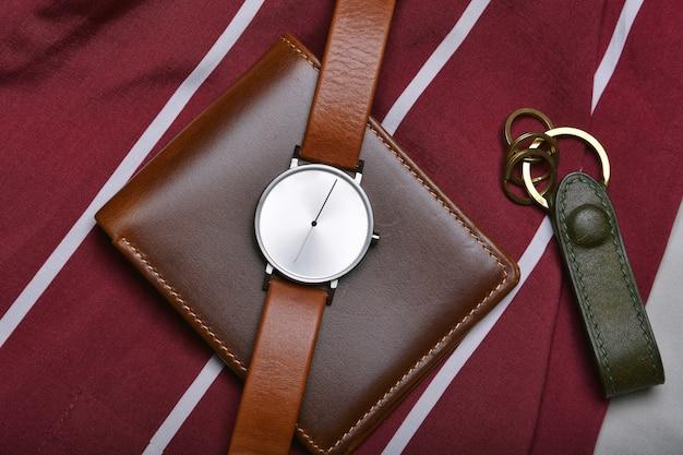 Мужская мода и аксессуары, наручные часы с коричневым кожаным ремешком, стильные мужские вещи, модные часы с кошельком и ремнем.