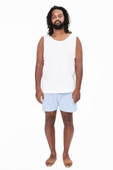パジャマファッションの男性