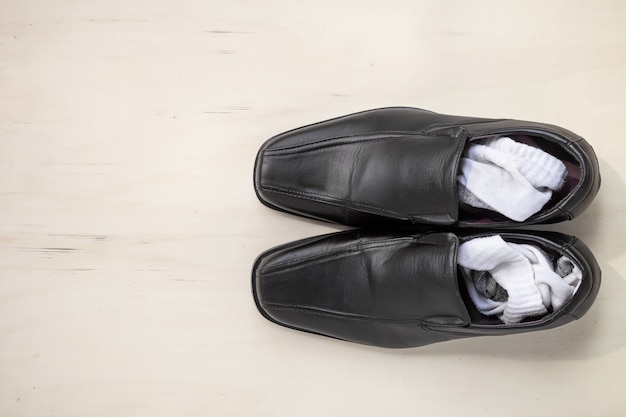 Men's leather shoes and socks