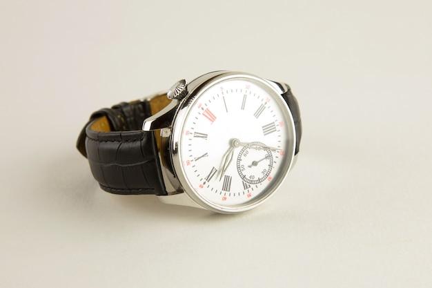 회색에 남성용 고급 손목 시계