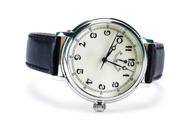 남자의 손목 시계 흰색 배경에 고립입니다.