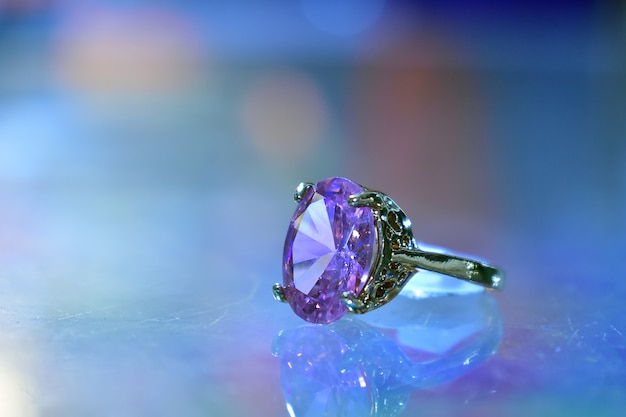 Men wedding diamond ring picture.