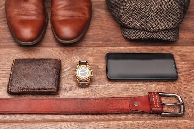 Мужские аксессуары коричневая кожаная обувь кожаный ремень наручные часы кошелек смартфон кепка