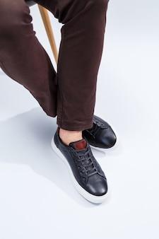 천연 소재의 남성용 편안한 신발 남성용 운동화는 매일 캐주얼 스타일로 만들어졌습니다.