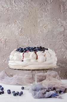 Meringue cake pavlova with blueberries