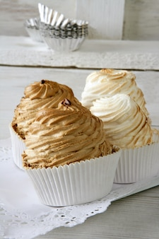 Meringue sweet pie with egg white