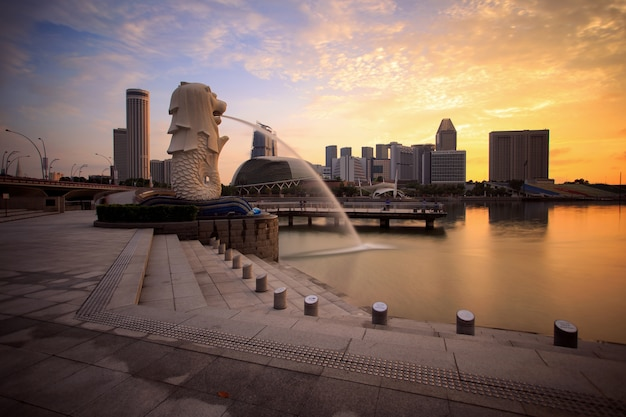 Merlion with marina bay sands