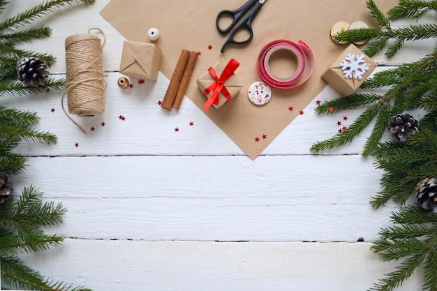 Веселого рождества и счастливого нового года, упаковка подарков, ручная работа