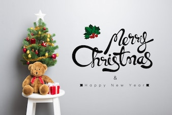MERRY CHRISTMAS and HAPPY NEW YEAR text on the wall